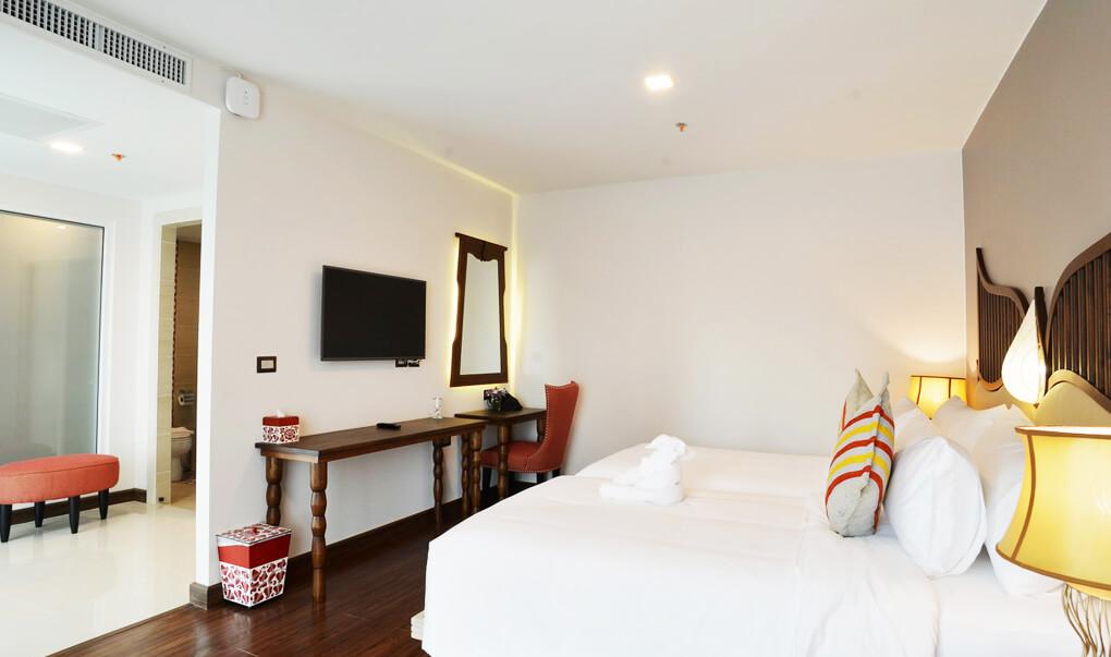 Deluxe Room Baisiri Maya Hotel
